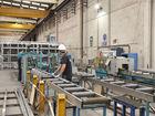 Cutting aluminium extrusions