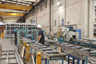 Saw cutting - Cutting aluminium extrusions