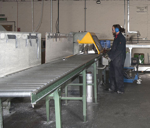 Aluminium Saw Cutting Aluminium Extrusion Bal Group