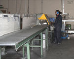 Saw cutting - Cutting aluminium extrusions 2